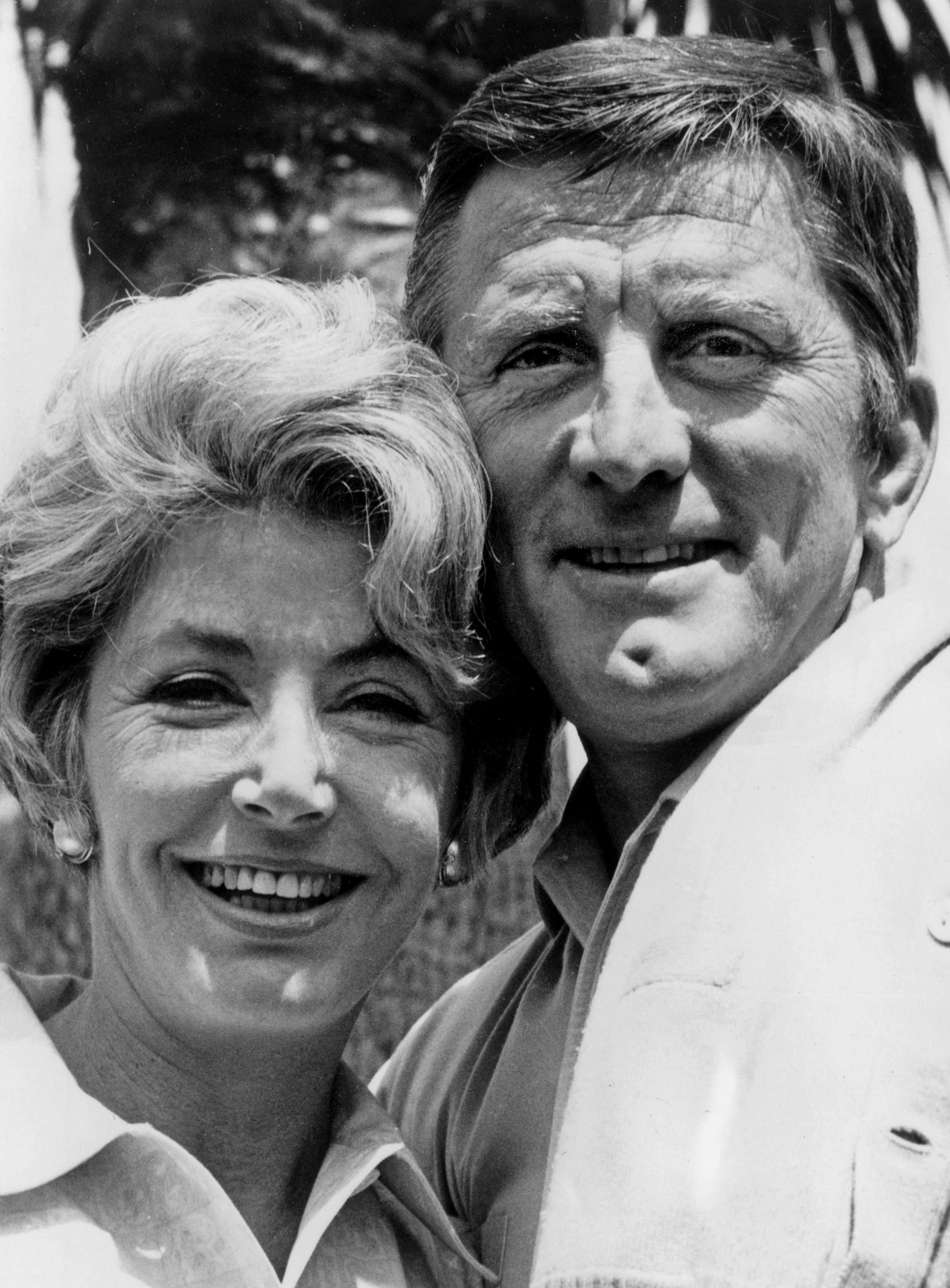 Anne Buydens und Kirk Douglas l Quelle: Getty Images