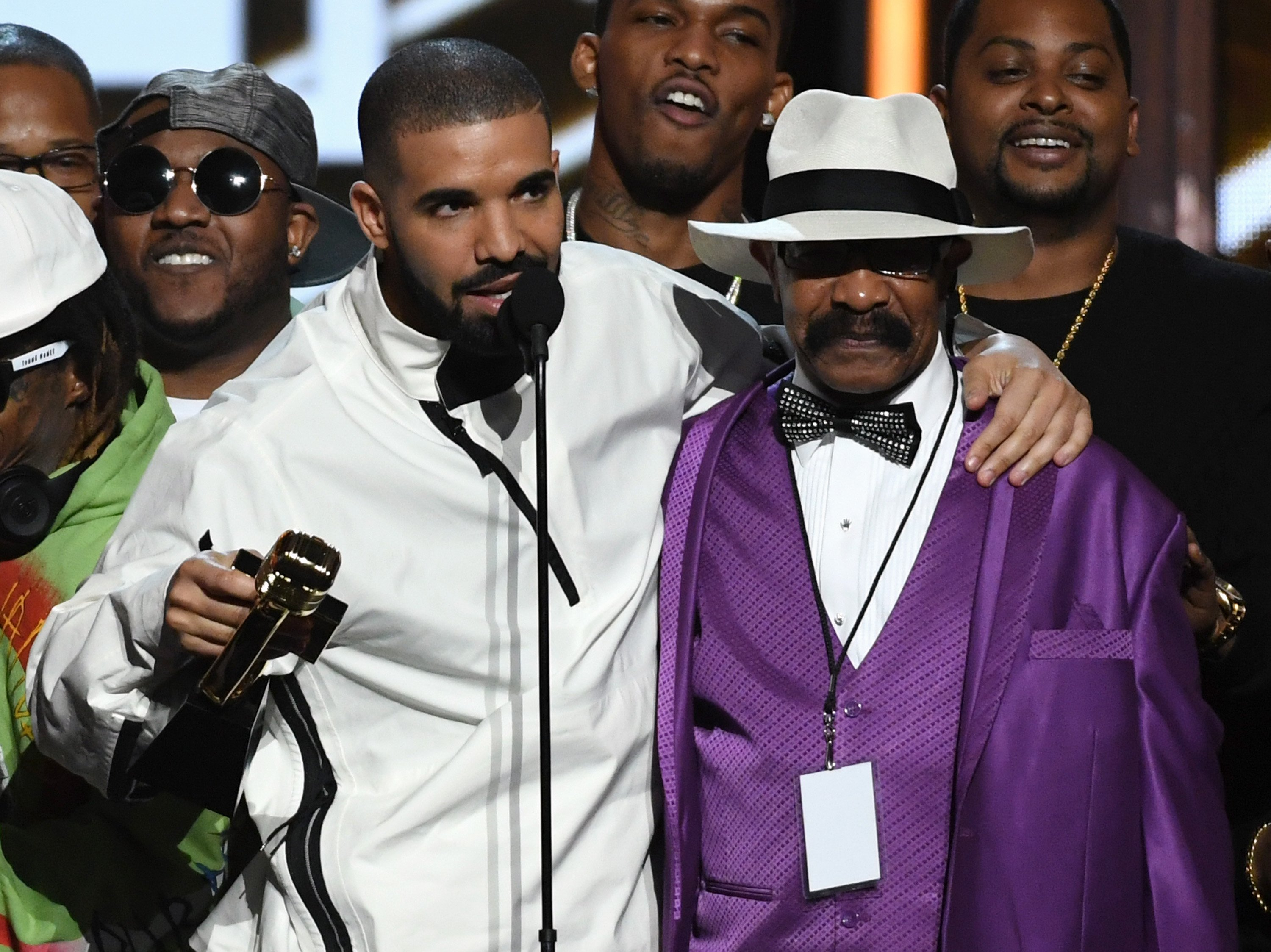 Drake and father Dennis Graham during the 2017 Billboard Music Awards at T-Mobile Arena on May 21, 2017    Photo: GettyImages