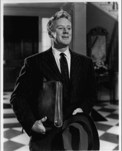 Van Johnson holding belongings in a scene from the film 'State Of The Union', 1948. | Source: Getty Images