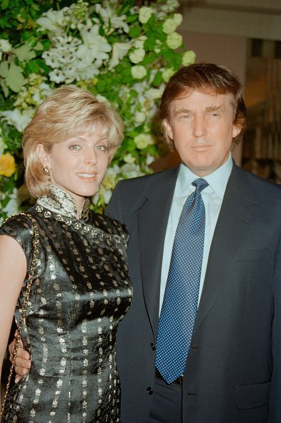 Donald Trump and Marla Maples at Claridge's hotel, London on June 4, 1996 | Photo: Getty Images