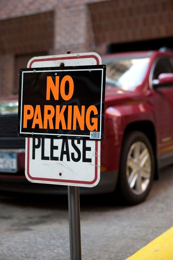 A car parked in a no parking zone.| Photo: Shutterstock.
