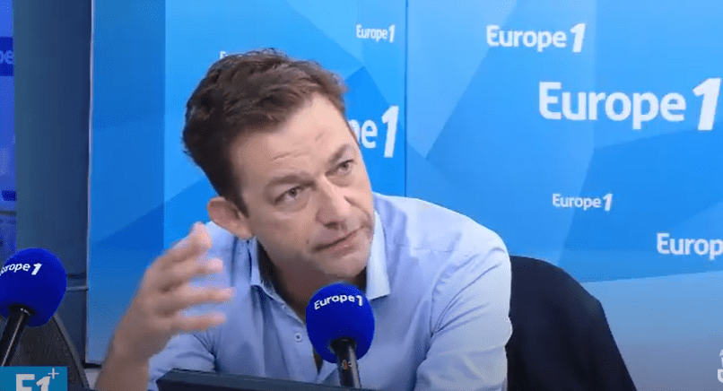 Renaud Dély | Photo : YouTube/Europe 1