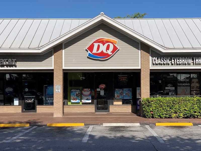 The front entrance of a Dairy Queen in Country Walk, image taken onMay 12, 2019 | Photo: Flickr/Phillip Pessar