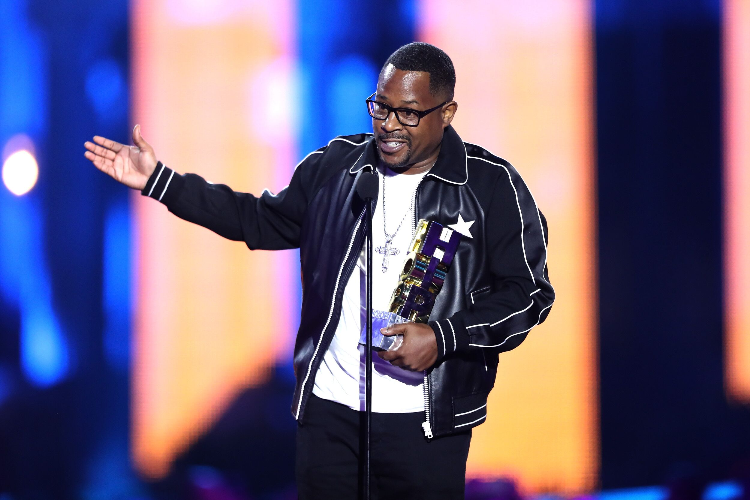 Martin Lawrence receiving an award onstage | Source: Getty Images/GlobalImagesUkraine