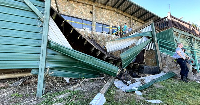 Restaurant Deck Collapses with over 40 People on It in Tennessee, Leaving 11 Injured