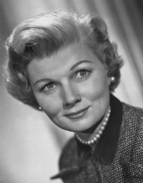 Publicity still of American actress Barbara Billingsley (1915 Ð 2010) for the television show 'Leave It To Beaver' in 1957 | Photo: Getty Images