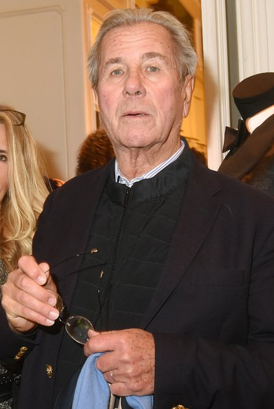 Jean Louis Debré assiste au cocktail de lancement du magazine Cerise Paris City au Ralph Lauren Bd St Germain le 2 décembre 2019 à Paris, France. | Photo : Getty Images