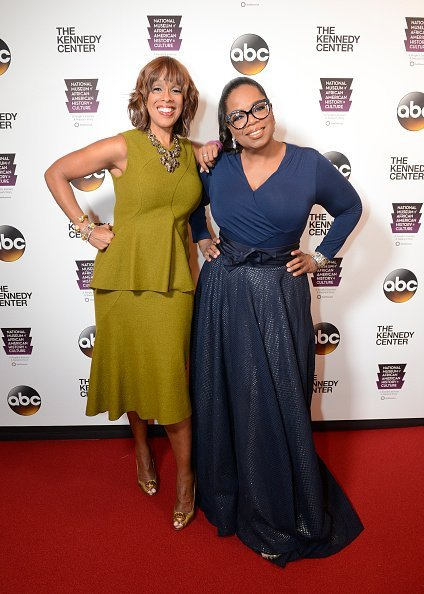 Gayle King and bestie, Oprah Winfrey together at an event | Photo: Getty Images