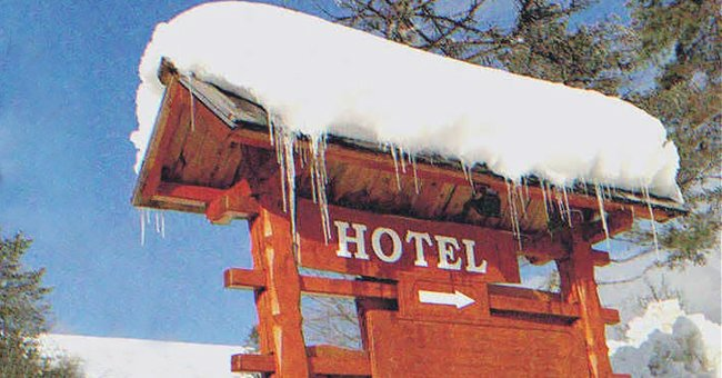 The homeless woman went to several hotels during a snowstorm. | Source: Shutterstock