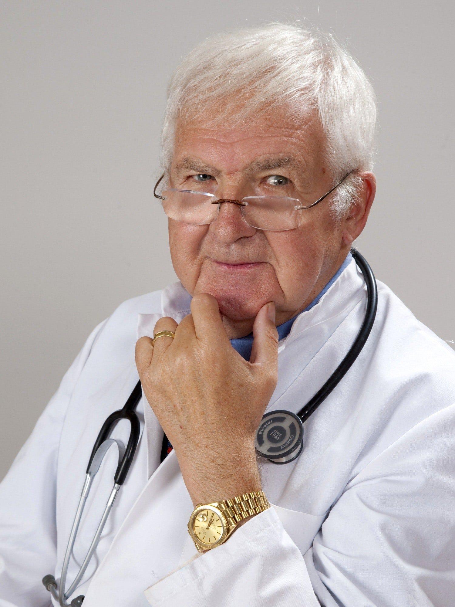 Älterer Arzt - Quelle: Pexels