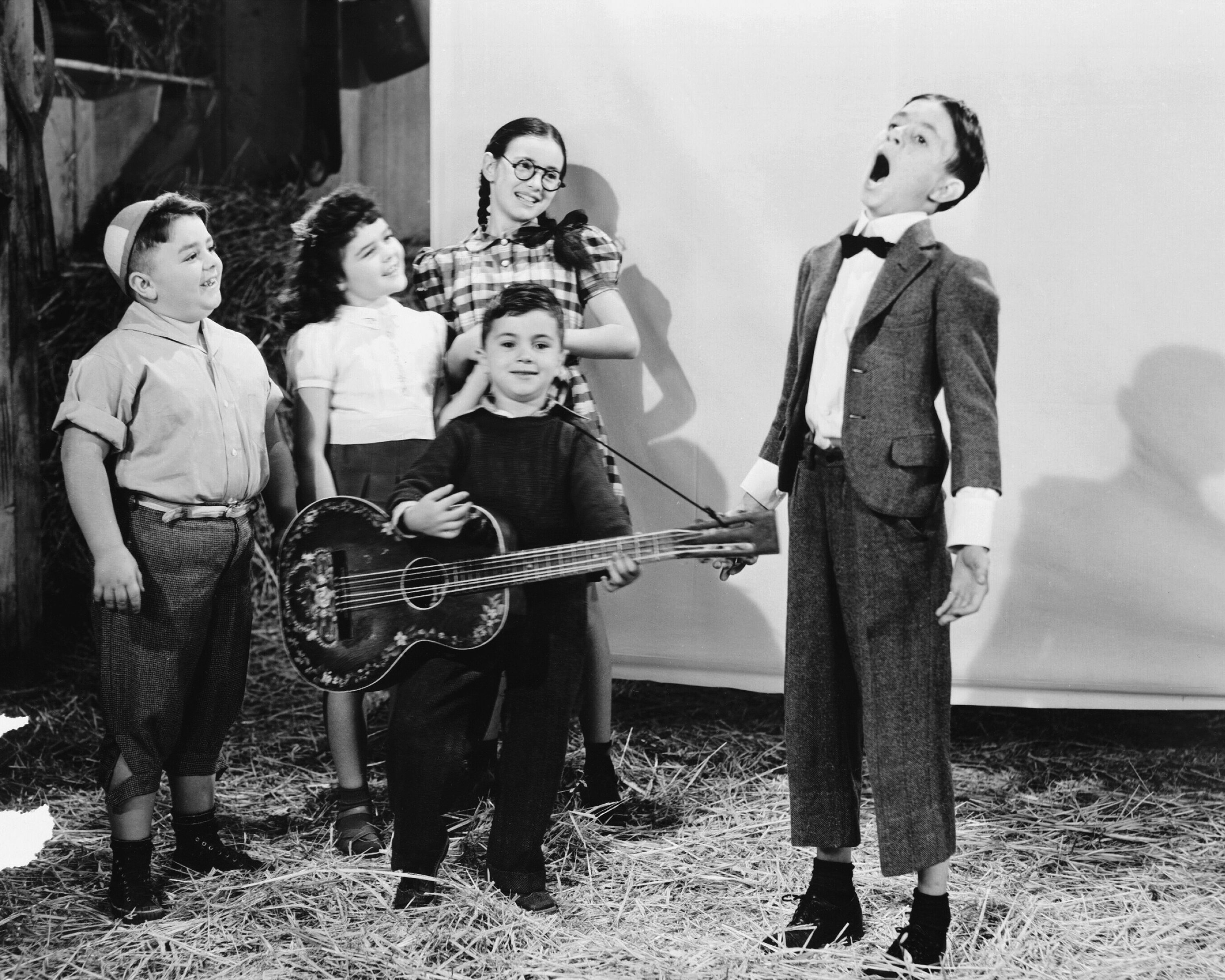 The cast of Our Gang/The Little Rascals singing, circa 1930. | Source: Getty Images