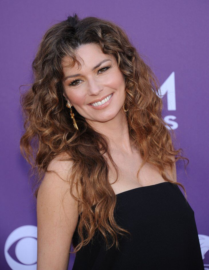 Shania Twain arrives to the Academy of Country Music Awards. | Source: Shutterstock