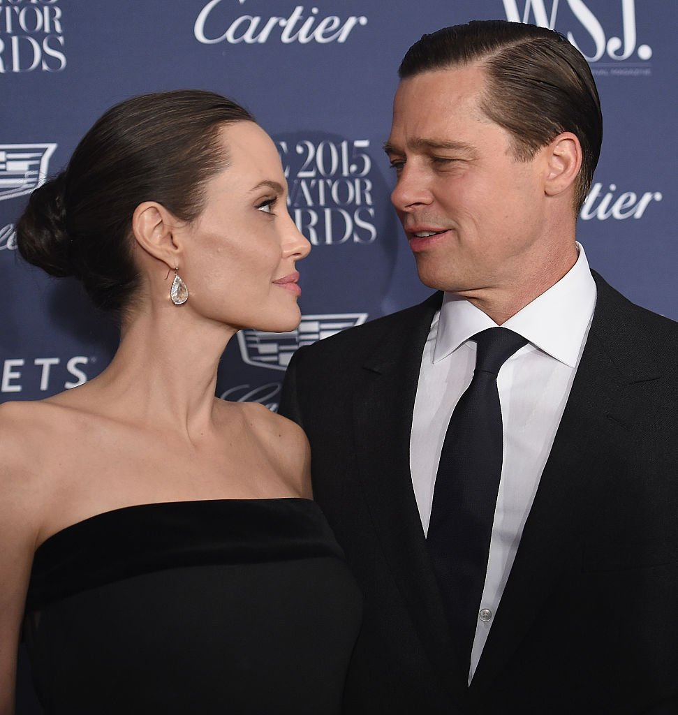 Angelina Jolie Pitt und Brad Pitt nehmen am WSJ teil. Magazine 2015 Innovator Awards im Museum of Modern Art am 4. November 2015 in New York City. (Foto von Dimitrios Kambouris) I Quelle: Getty Images für WSJ. Magazin 2015 Innovator Awards