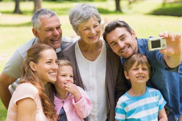 Familia feliz. Fuente: Freepik