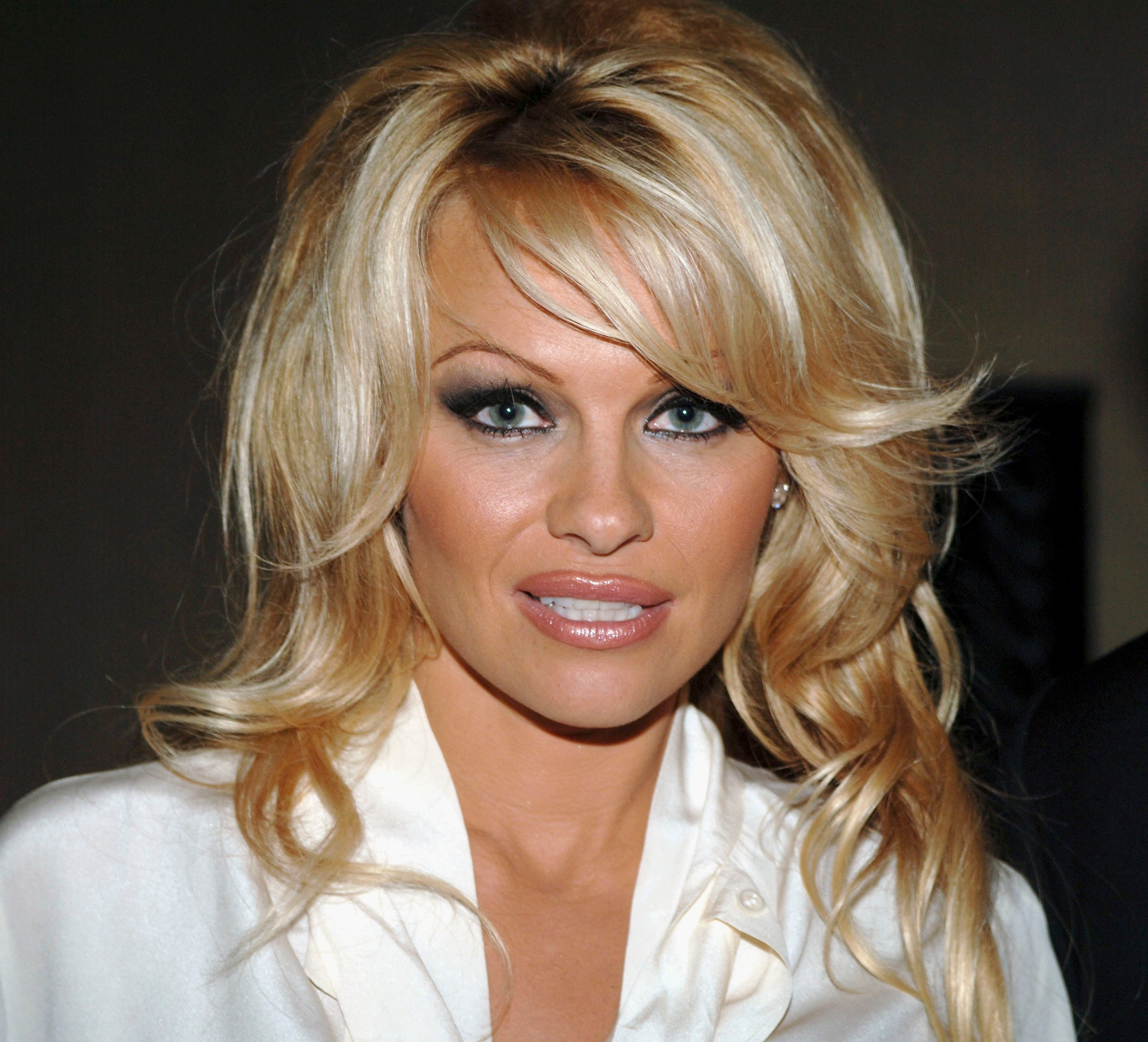 Pamela Anderson attends The Museum of Television & Radio Annual Los Angeles Gala. | Source: Getty Images