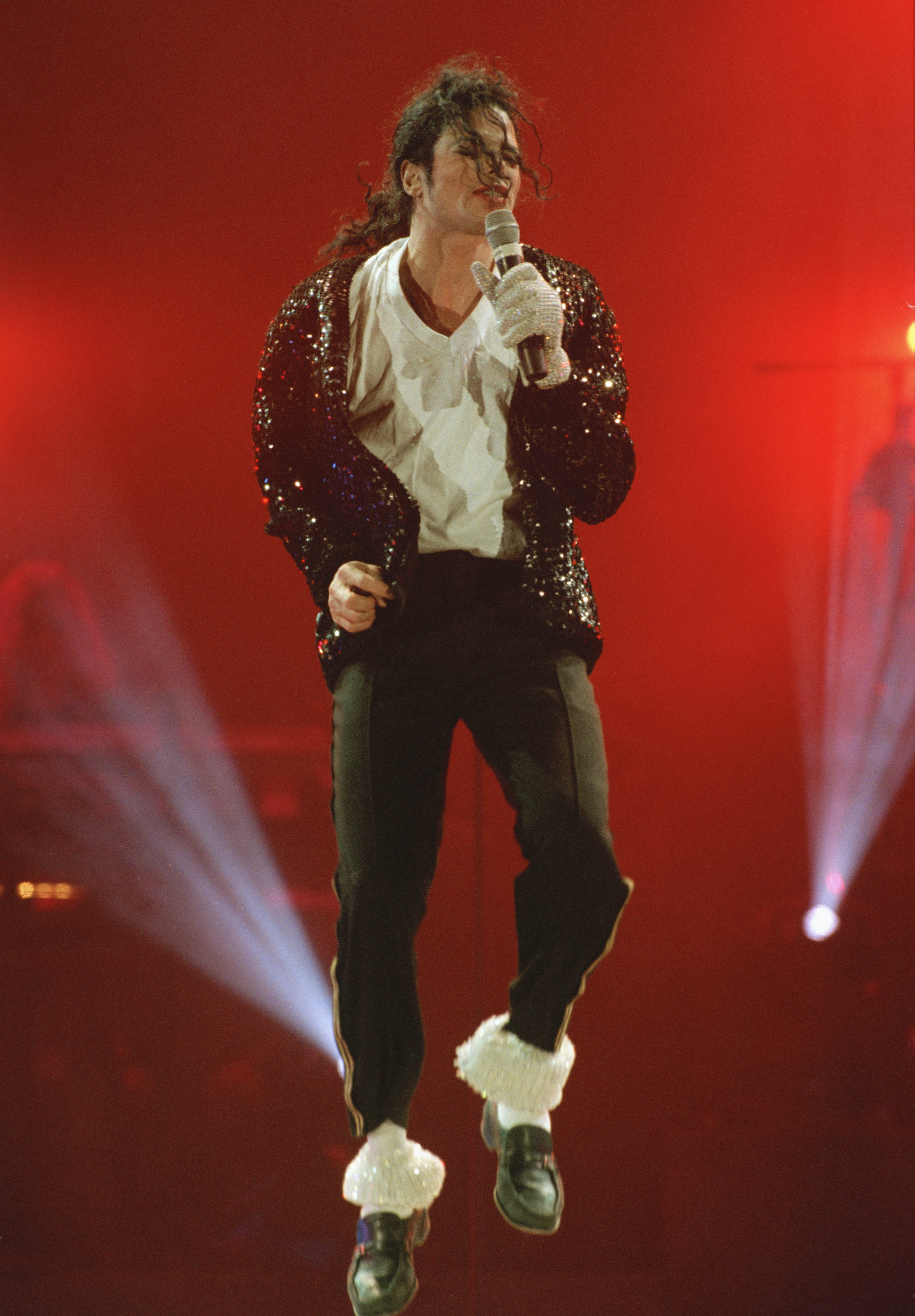 Michael Jackson in concert in Bremen during the HIStory World Tour, 1997. | Source: Getty Images