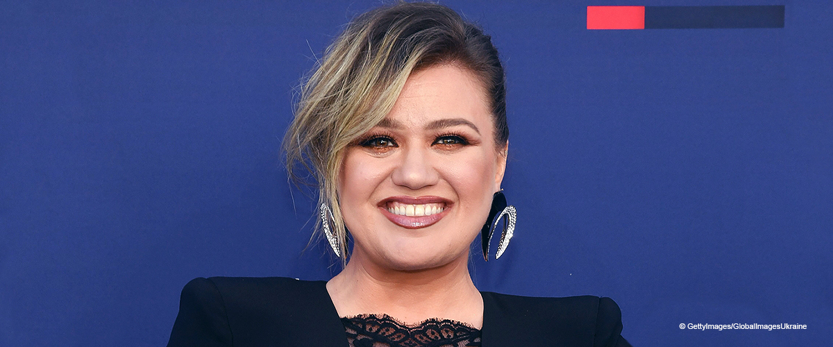 Kelly Clarkson Steals the Show in a Curve-Hugging Dress with a Plunging Sheer Cleavage