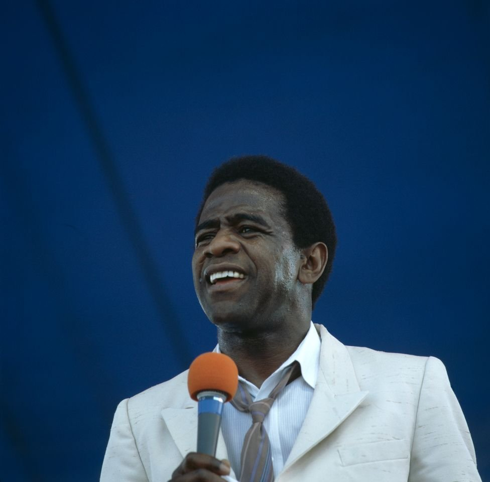 Al Green during a live concert performance at the New Orleans Jazz and Heritage Festival in New Orleans, Louisiana on May 1, 1988. | Source: Getty Images