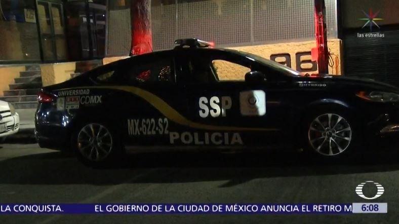 Coche de la policía. Fuente: Captura  Noticiero Televisa