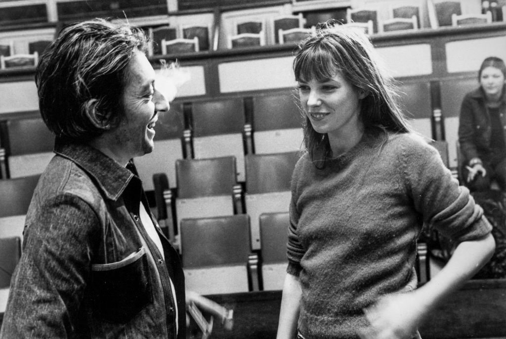 Serge Gainsbourg et Jane Birkin dans les années 80 à Paris, France. | Photo : Getty Images