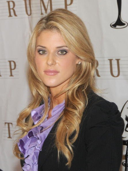 Carrie Prejean at Trump Tower on May 12, 2009 in New York City. | Photo: Getty Images