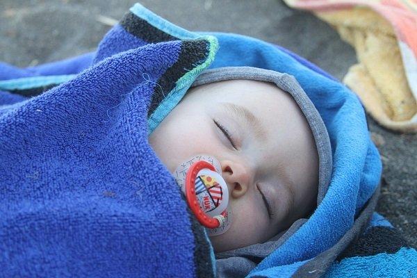 Bebé con chupón-Imagen tomada de Pixabay