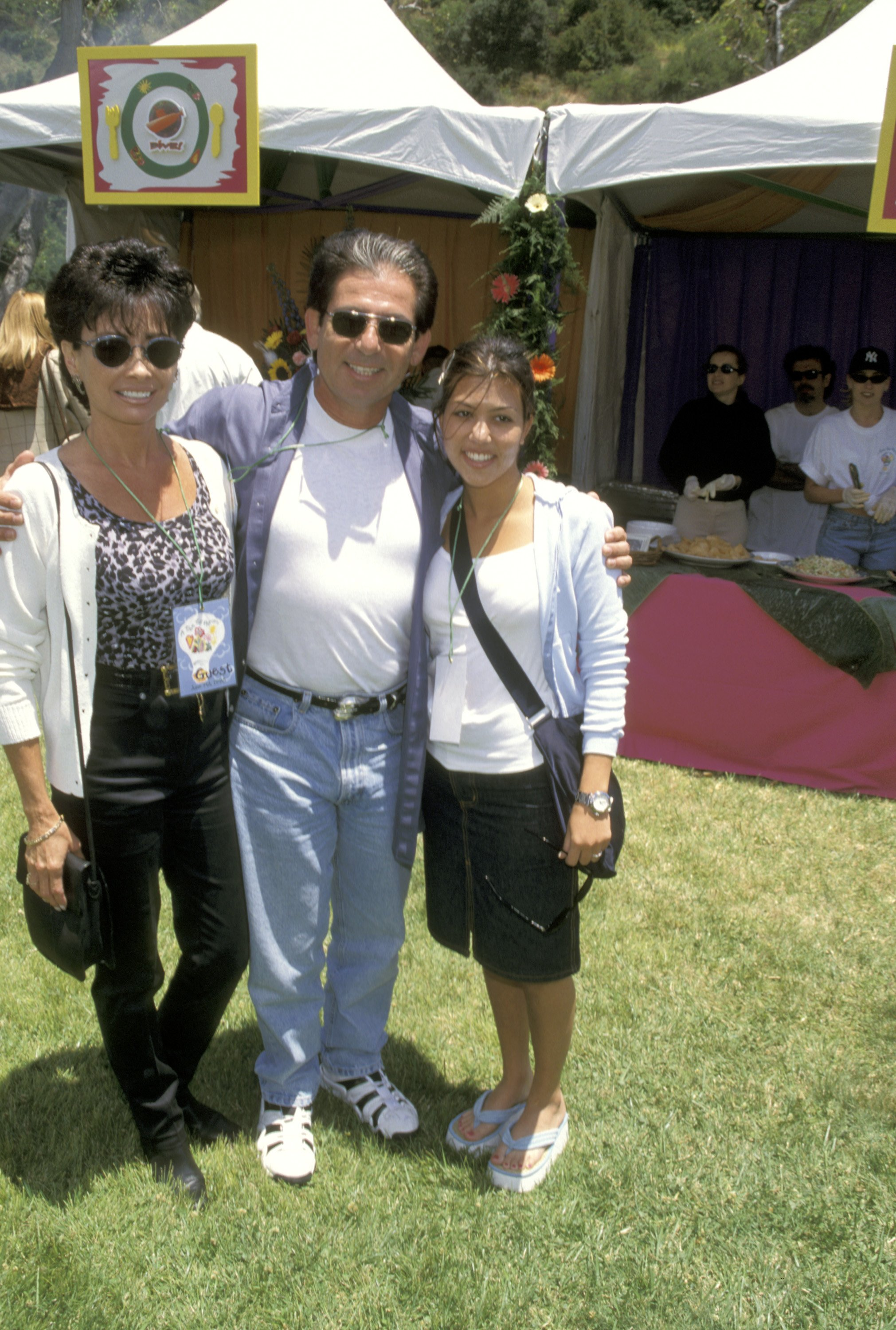Robert Kardashian and daughter Kourtney at the Ninth Annual 'A Time For Heroes' E. Glaser Pediatric AIDS Association Benefit in 1998 | Source: Getty Images