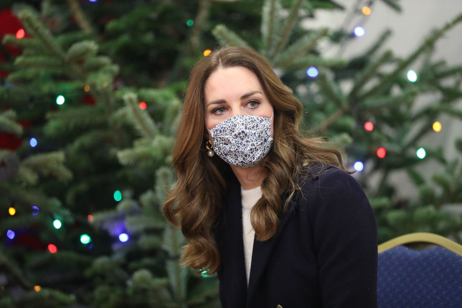 Catherine, The Duchess of Cambridge at Batley Community Centre, West Yorkshire meeting volunteers who have supported elderly members of the community throughout the coronavirus outbreak, on the second day of a three-day tour across the country, on December 7, 2020 | Photo: Getty Images