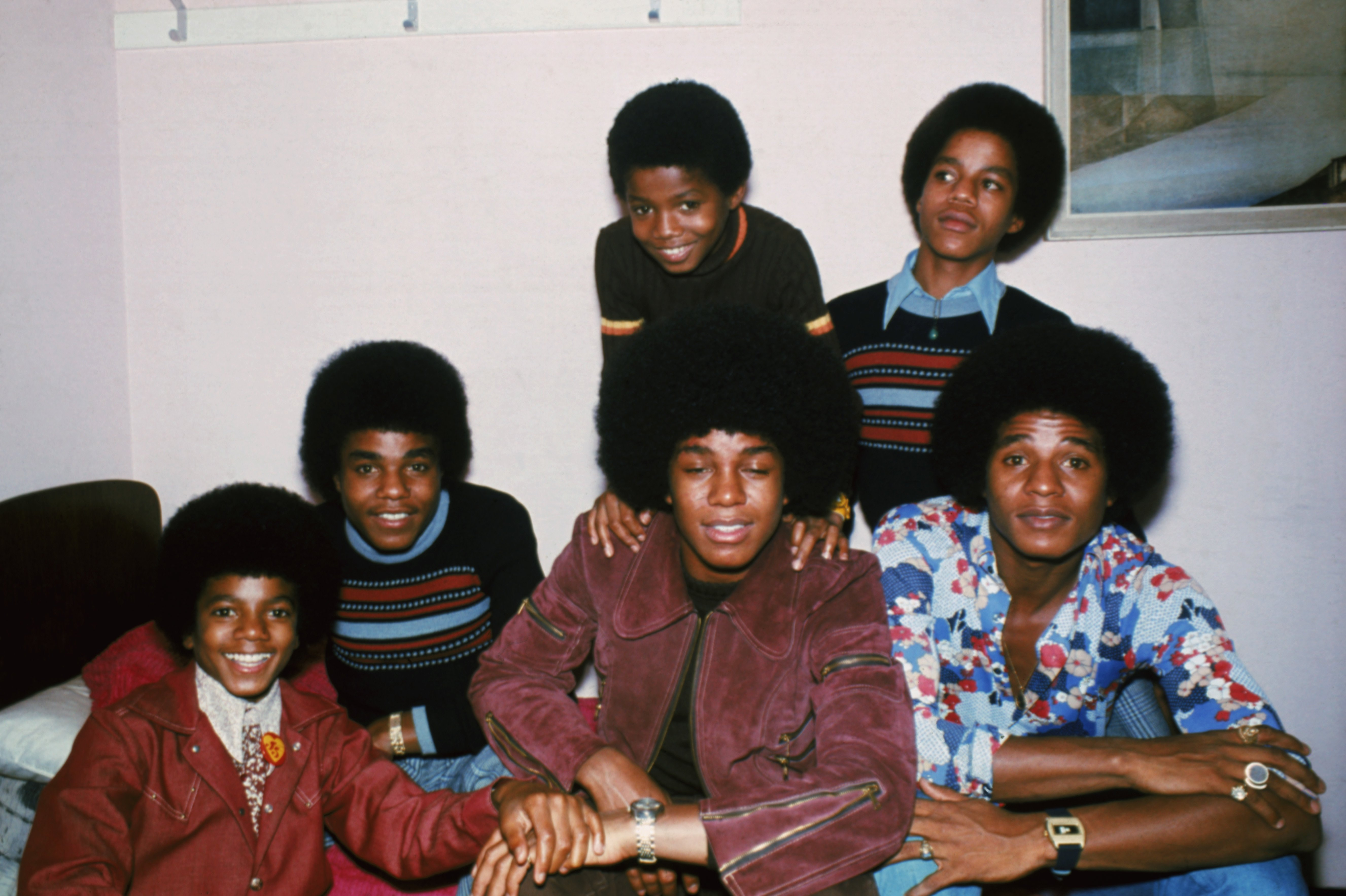 The Jackson brothers, Jackie, Tito, Jermaine, Marlon, Michael and Randy in London, in 1972 | Source: Getty Images