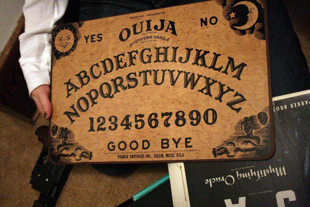 Tablero de la ouija.| Imagen: Flickr