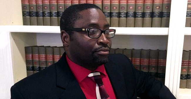 Sauntore Thomas from Detroit Sues Bank for Calling Cops after He Tried to Deposit Racial Bias Settlement Checks