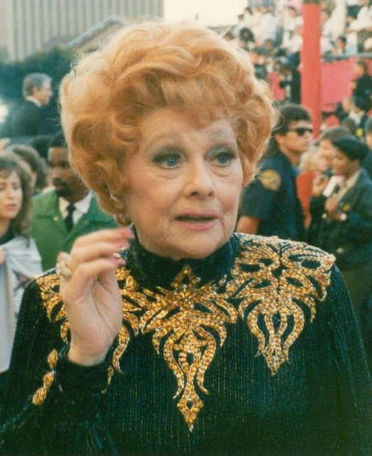 Lucille Ball at the 61st Academy Awards | Photo: Wikimedia Commons