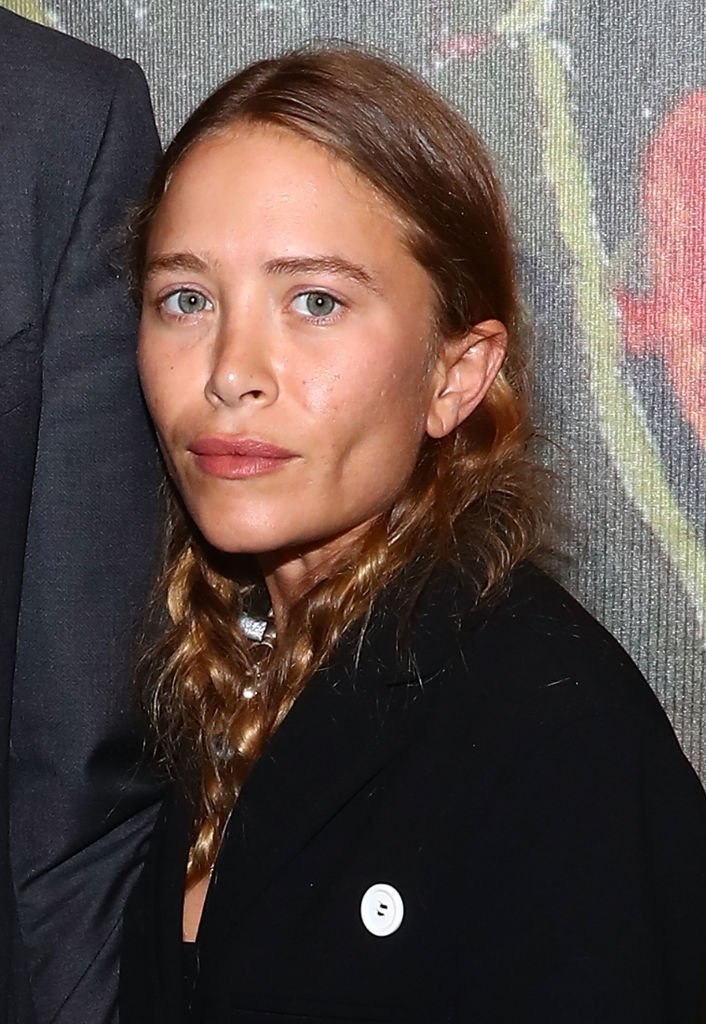 Mary-Kate Olsen attends 2017 Take Home A Nude Art party and auction at Sotheby's on October 11, 2017, in New York City. | Source: Getty Images.