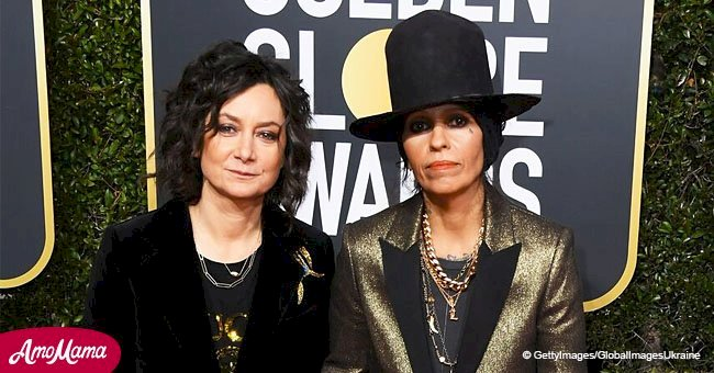 'The Conners' Sara Gilbert shows PDA with wife, holding hands in matching suits on red carpet