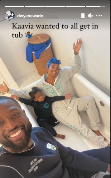 Dwyane Wade shares a cute picture of his wife Gabrielle Union and daughter Kaavia together in a bath tub.   Photo: Instagram/dwyanewade