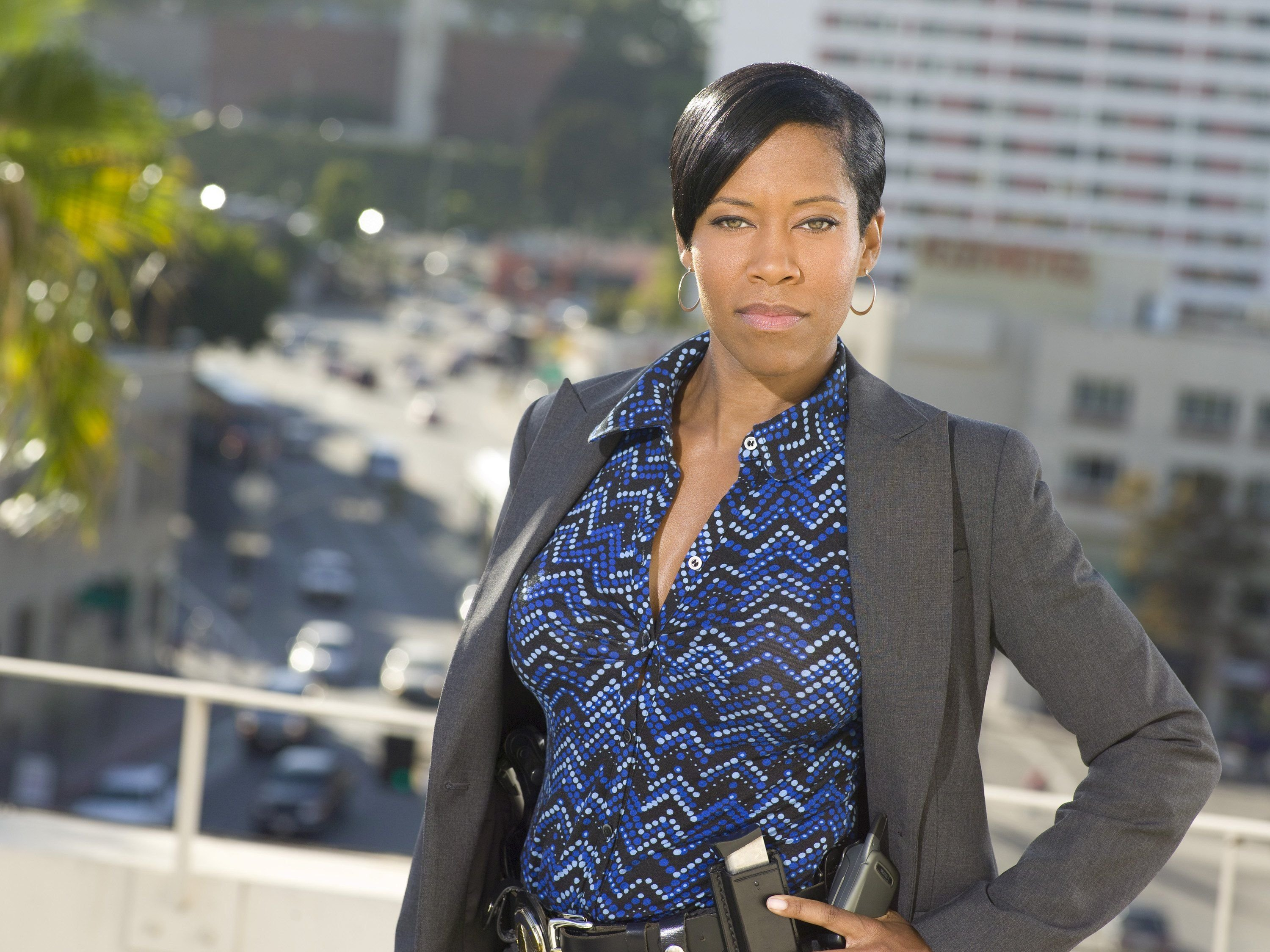 """Regina King  poses for a photo for """"Southland"""" Season 1. 