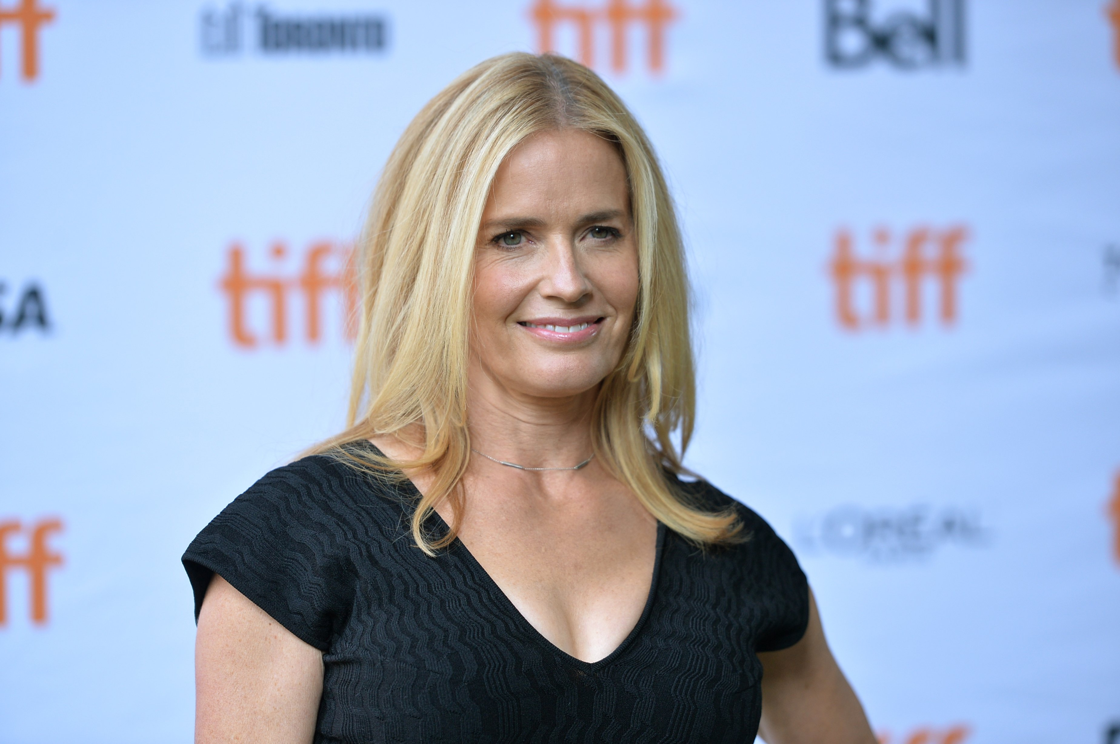 """Elisabeth Shue attends the """"Battle of the Sexes"""" premiere on September 10, 2017, in Toronto, Canada. 