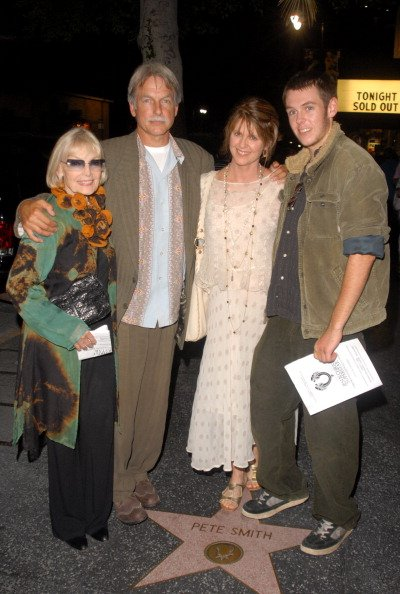 Elyse Knox, Mark Harmon, Pam Dawber and son Sean on August 13, 2006 at Ricardo Montalban Theatre in Los Angeles, California, United States. | Photo: Getty Images