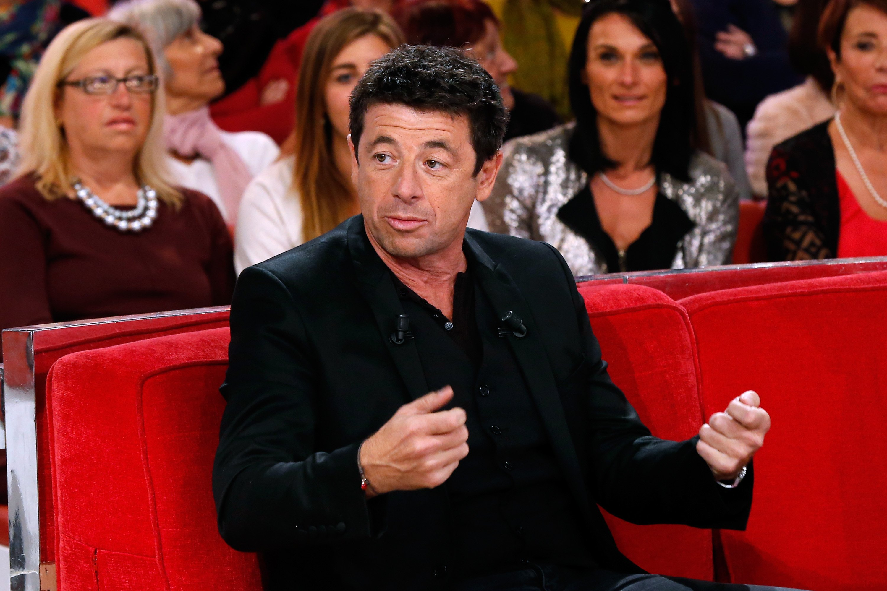 "Le chanteur Patrick Bruel présente l'album ""Corsu Mezu Mezu"" lors de ""Vivement Dimanche"" au Pavillon Gabriel, le 13 octobre 2015 à Paris, France. 