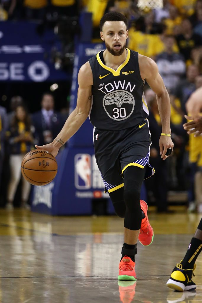 Basketball player Stephen Curry of the Golden State Warriors| Photo: Getty images