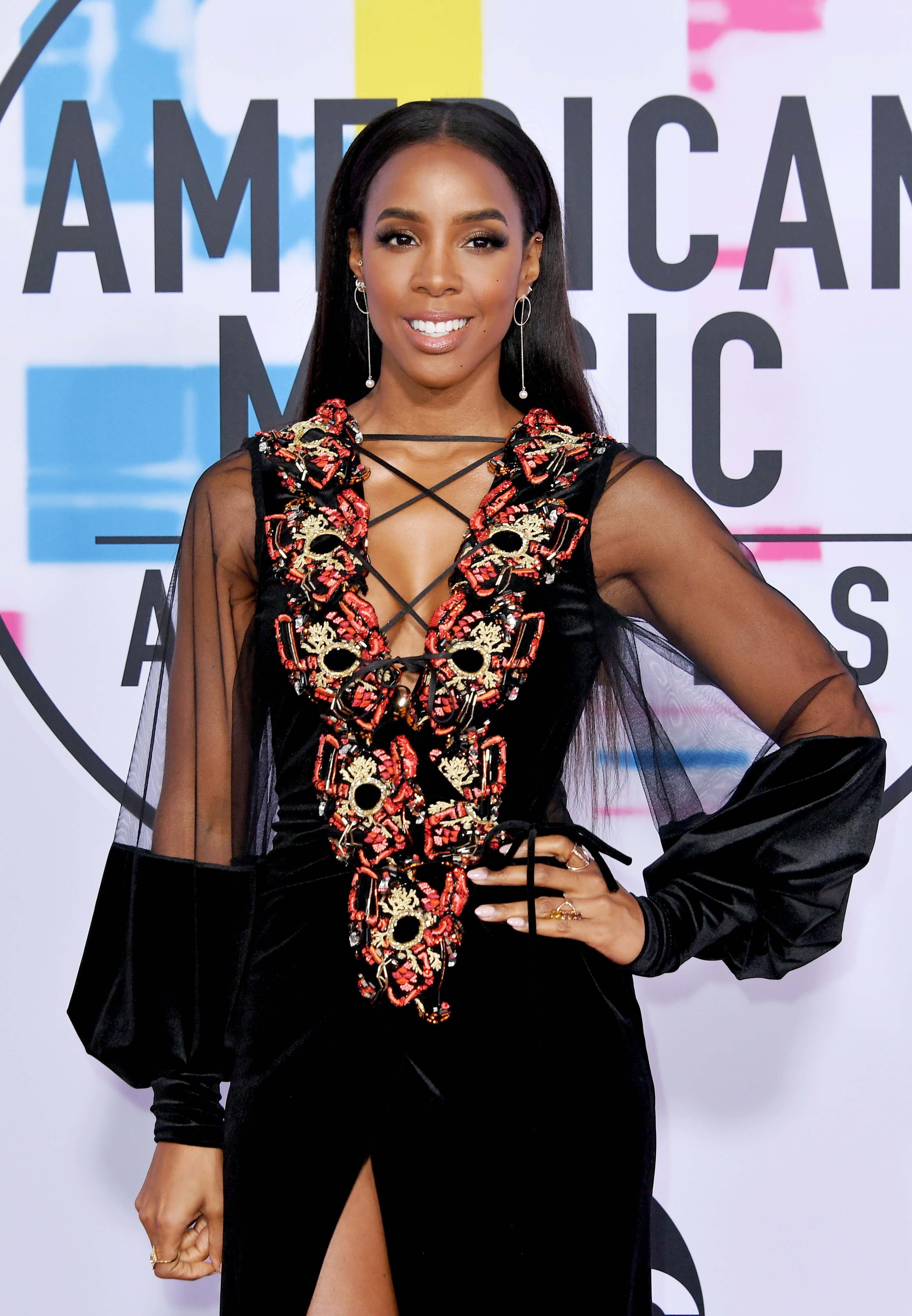 Kelly Rowland poses at the 2017 American Music Awards at Microsoft Theater on November 19, 2017 in Los Angeles, California.   Source: Getty Images