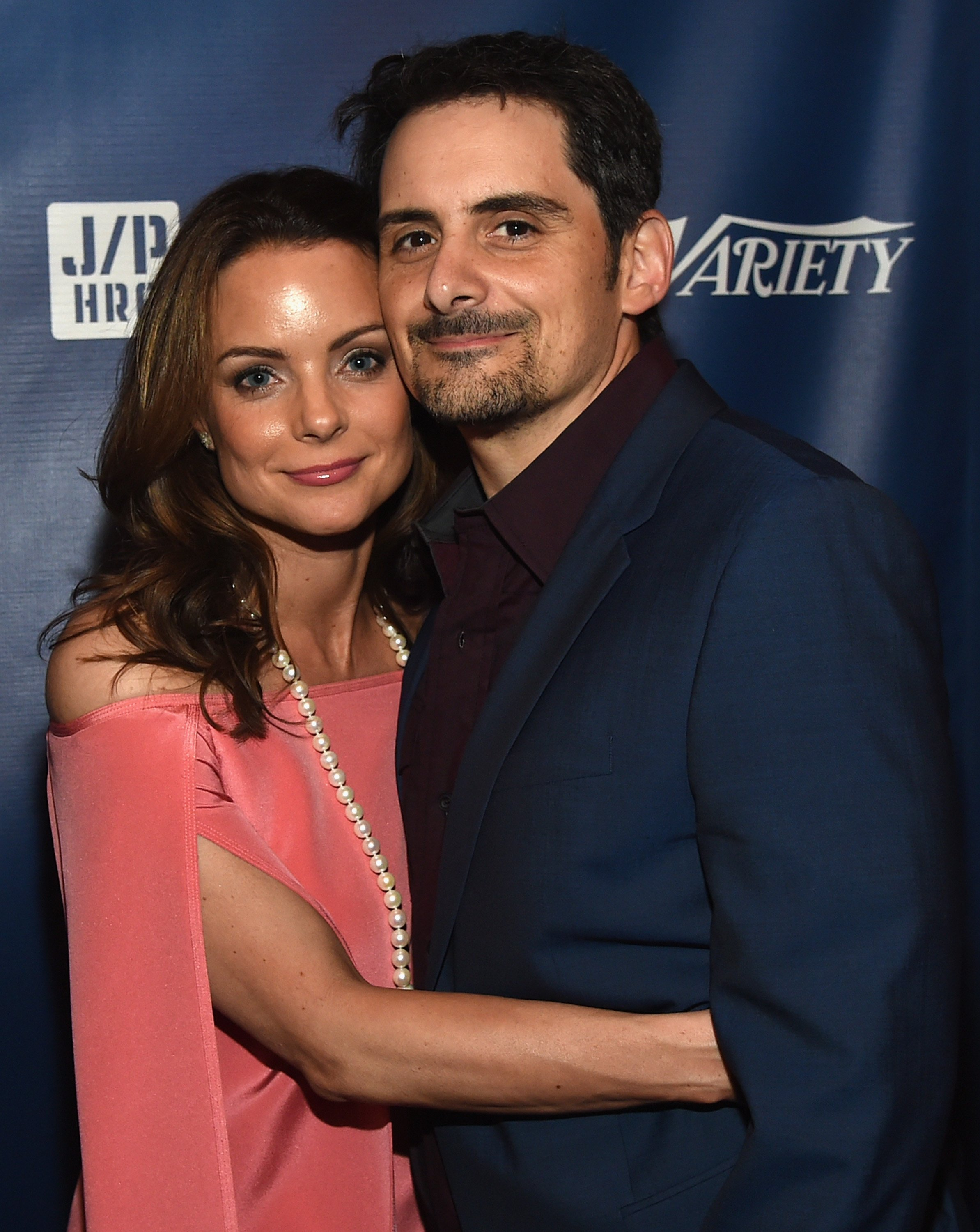 Brad Paisley and wife, Kimberly Williams-Paisley, at a benefit concert for the Haitian Relief Organization. | Photo: Getty Images.
