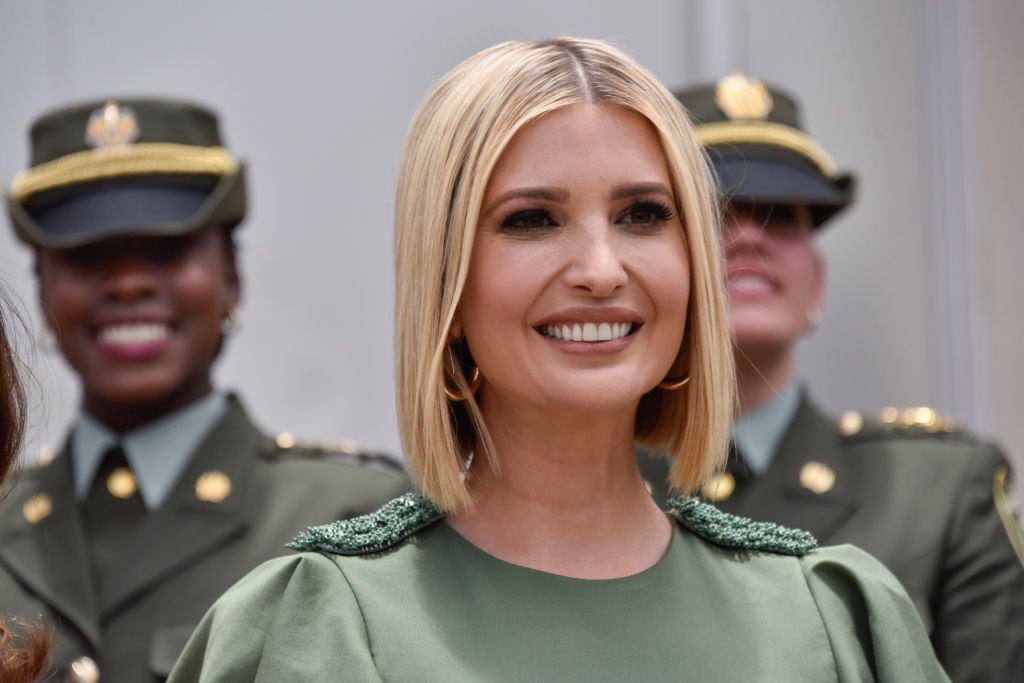 Advisor to the US President Ivanka Trump smiles during a meeting with female police cadets at General Santander National Police Academy in Bogota, Colombia | Photo: Getty Images