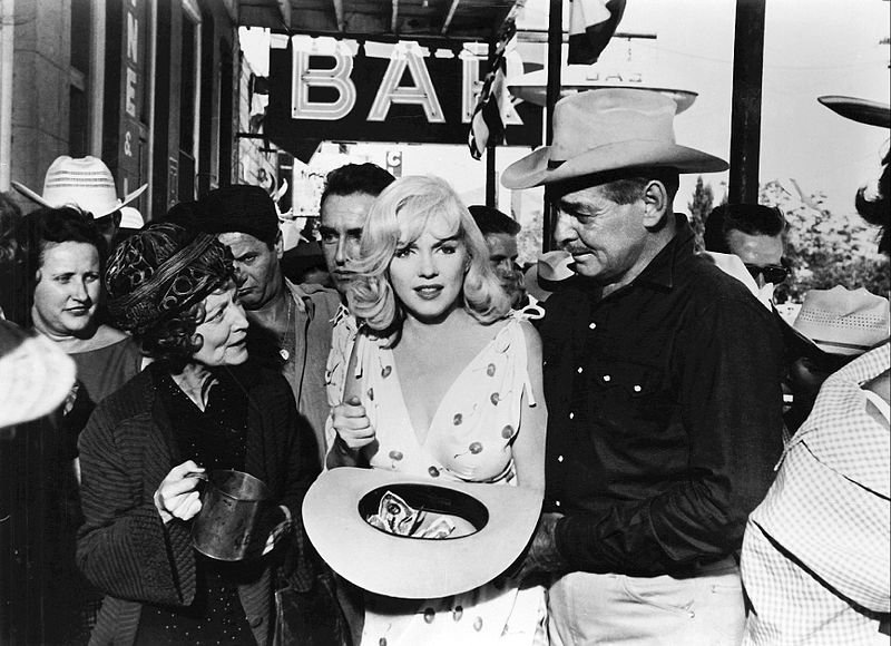 """Marilyn Monroe and Clark Gable in her last movie, """"The Misfits"""" 