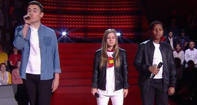 Justine, Roger et Théo sur scène. l Source : TF1 Replay