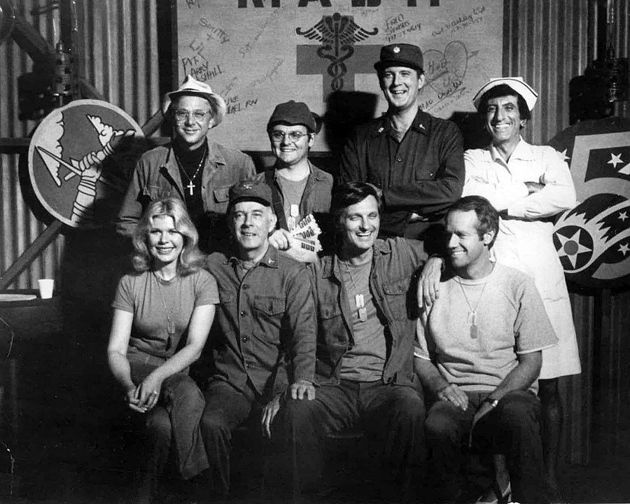 The cast of M*A*S*H from Season 6, 1977 | Photo: Wikimedia Commons Images