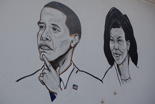 Hand painted mural of President Barack Obama and Michelle | Photo: Getty Images