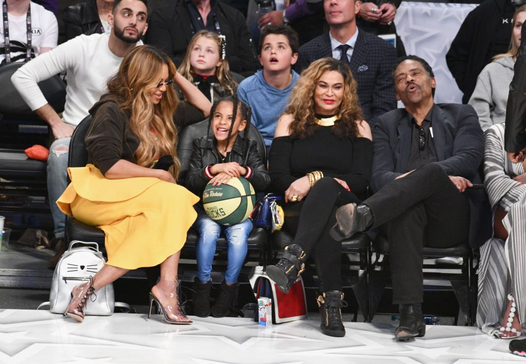 Blue Ivy with relatives watching basketball | Source: Getty Images / GlobalImagesUkraine