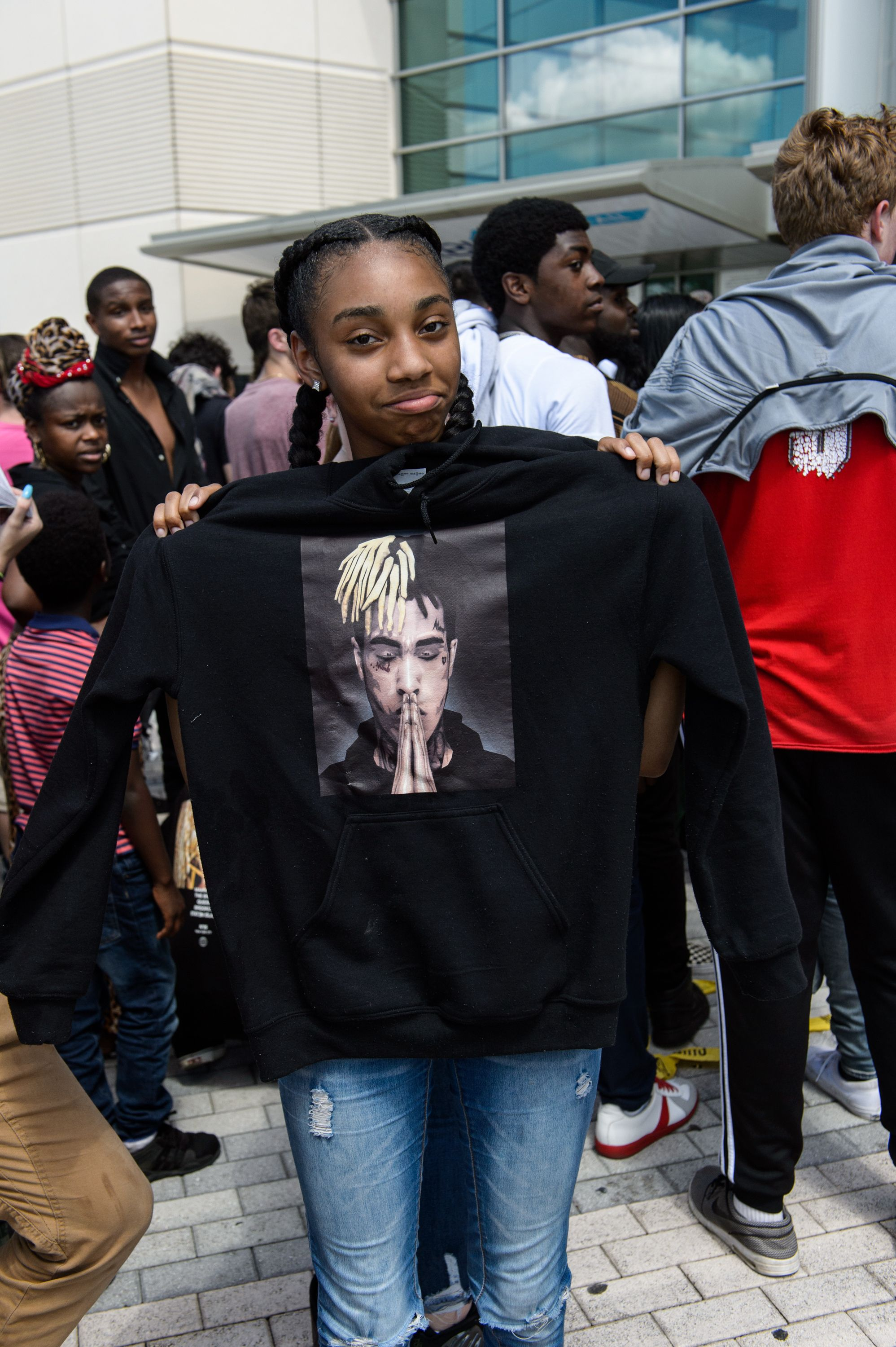 Fans gather outside the XXXTentacion Funeral & Fan Memorial at BB&T Center on June 27, 2018 in Sunrise, Florida. | Source: Getty Images
