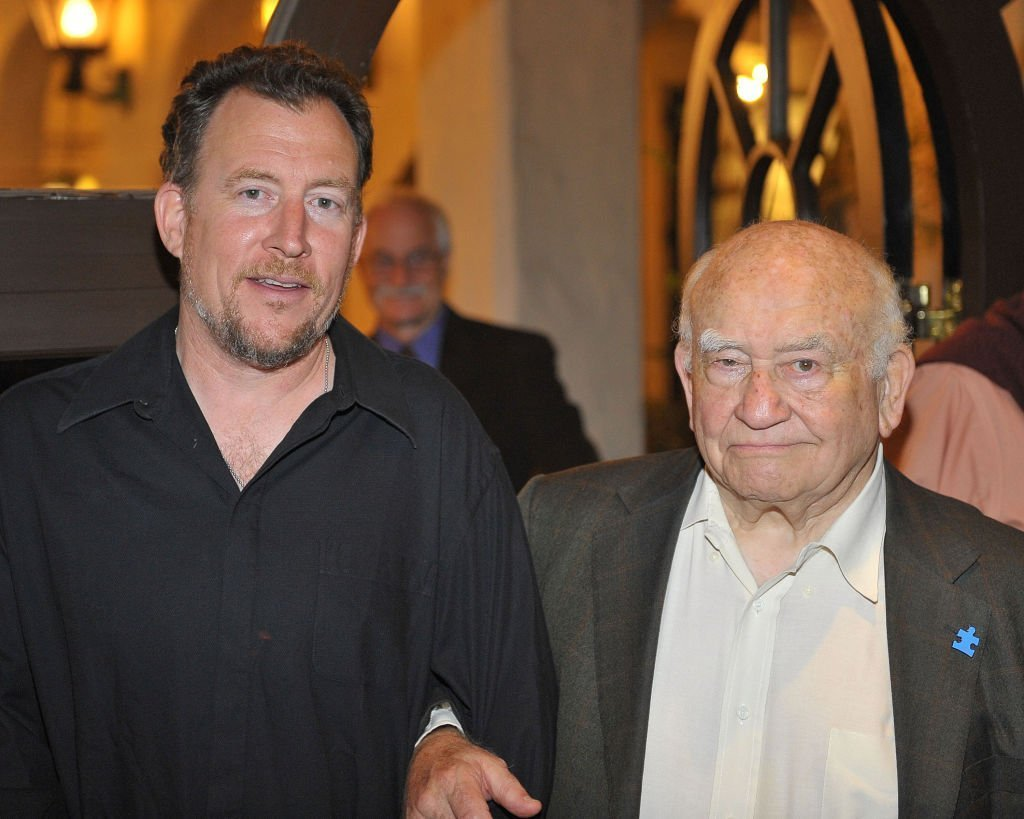 "Ed Asner mit seinem Sohn Matthew Asner bei der Opening Night Celebration of ""FDR"" 